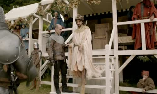 1-V_kruhu_koruny,_Richard_II._The_Hollow_Crown_S1E1 h.264.mkv