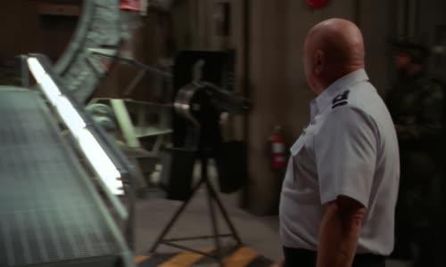 Stargate.SG-1.(2001).S05E15.1080p.BluRay.AC3.x264-BORDURE (MultiDub.Cz.Eng).mkv