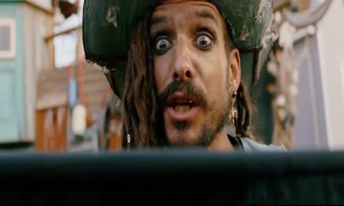 Pirati odvedle - De.Piraten.van.Hiernaast.2020.480p.WEBRip.CZ.dabing.mkv